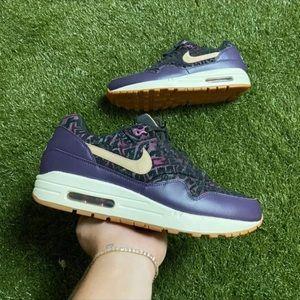 Nike airmax 1 purple dynasty size 10w/ 8.5 m